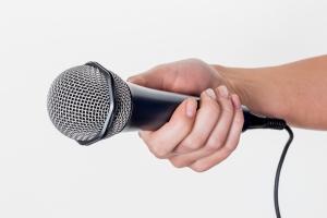 Afbeelding microfoon voor enquête